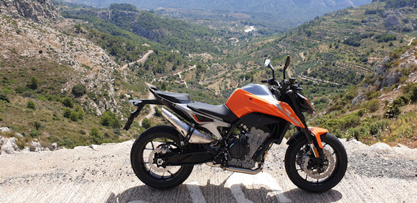 KTM 790 Duke Mountain View