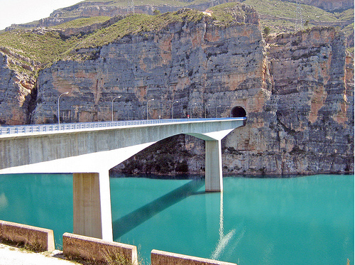 Bridge to Cortes De Pallas